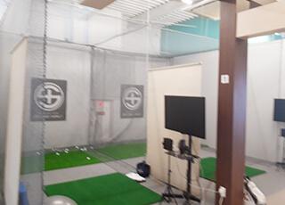 レッスンプロ用インドアゴルフ練習場イメージ2