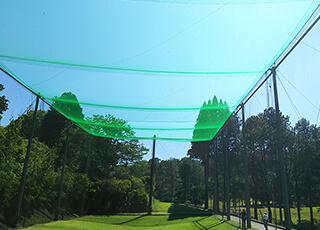 ゴルフ練習場での防球ネット例2