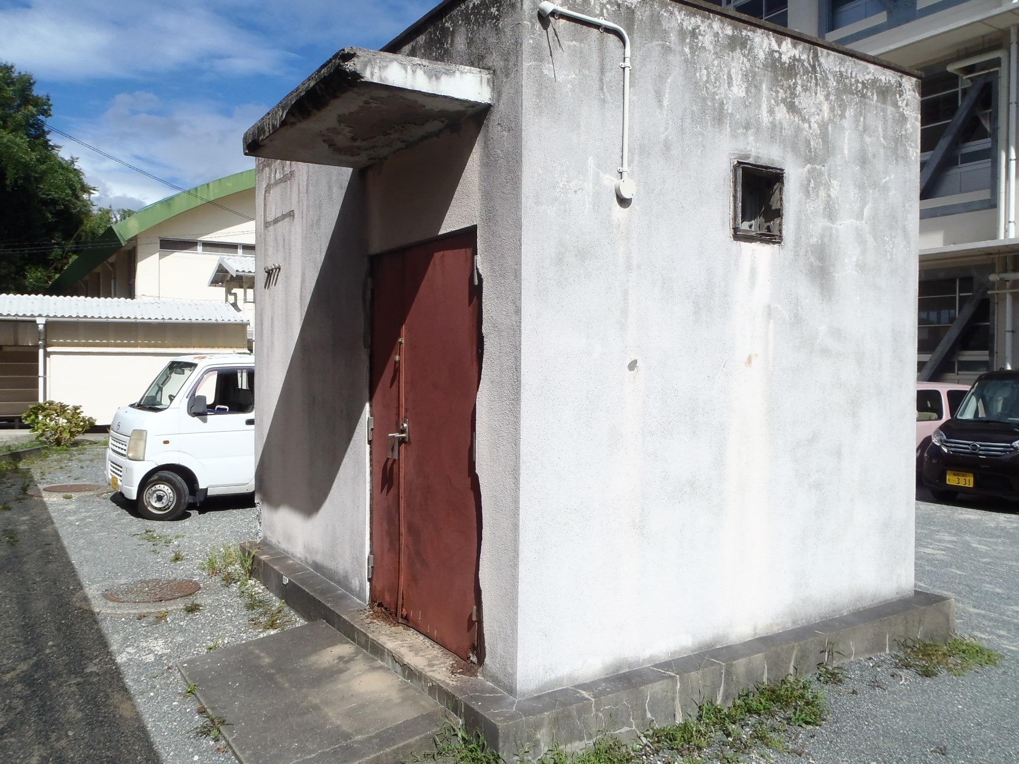 外壁剥落防止ネット設置工事 image5