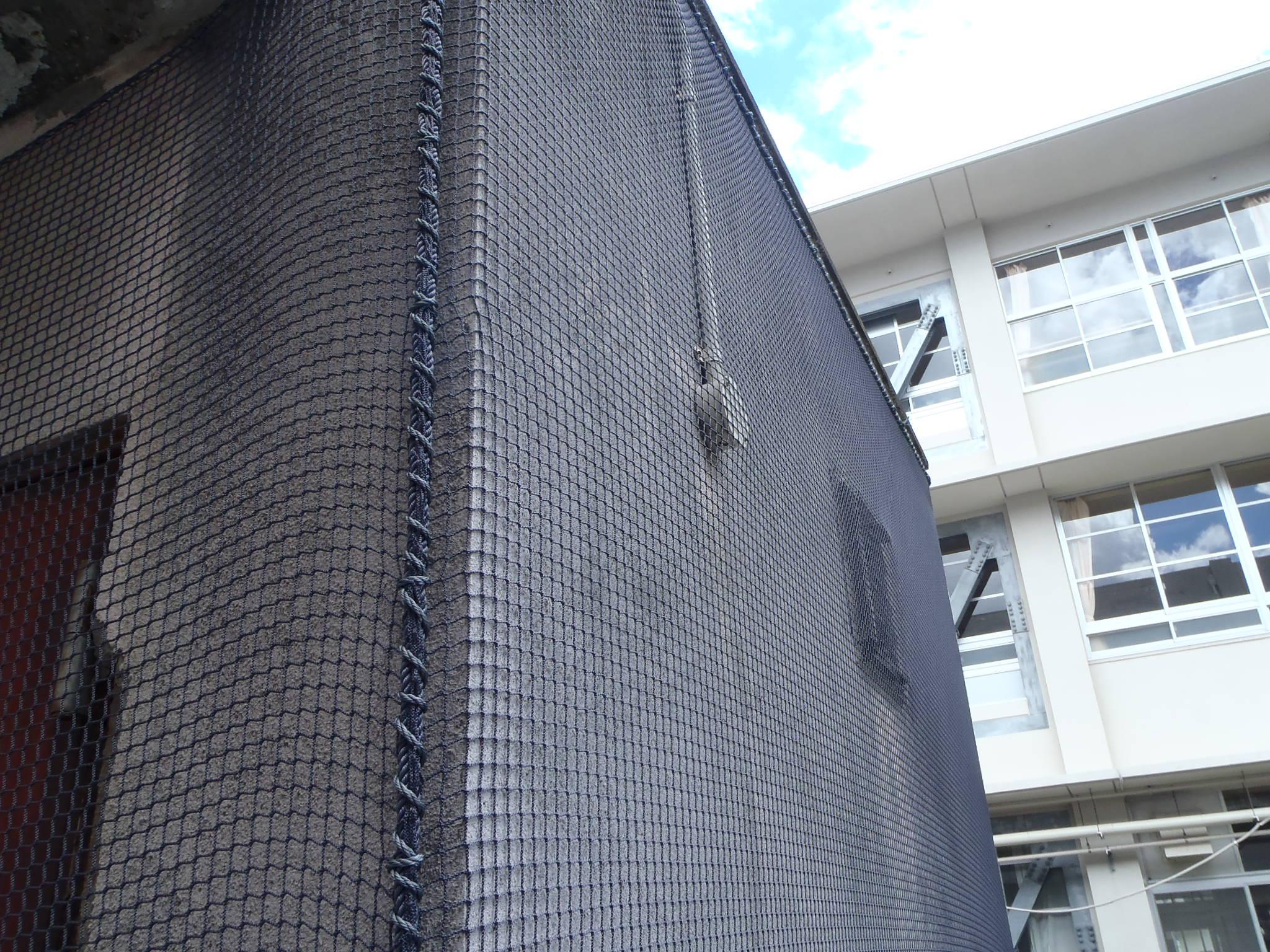 外壁剥落防止ネット設置工事 image2