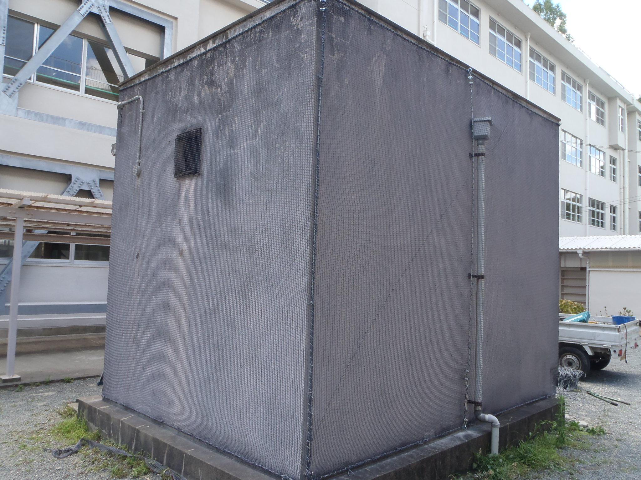 外壁剥落防止ネット設置工事 image1