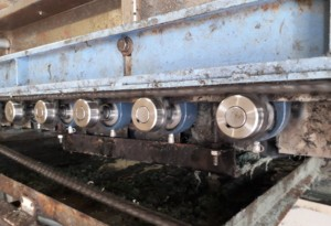 ボール洗浄機ブラシ交換工事