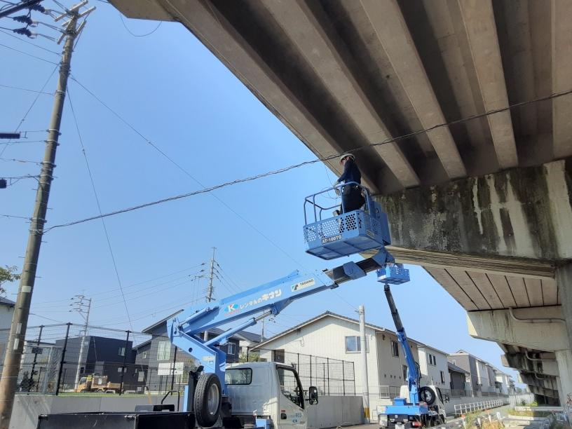 コンクリート剥落防止ネット設置工事