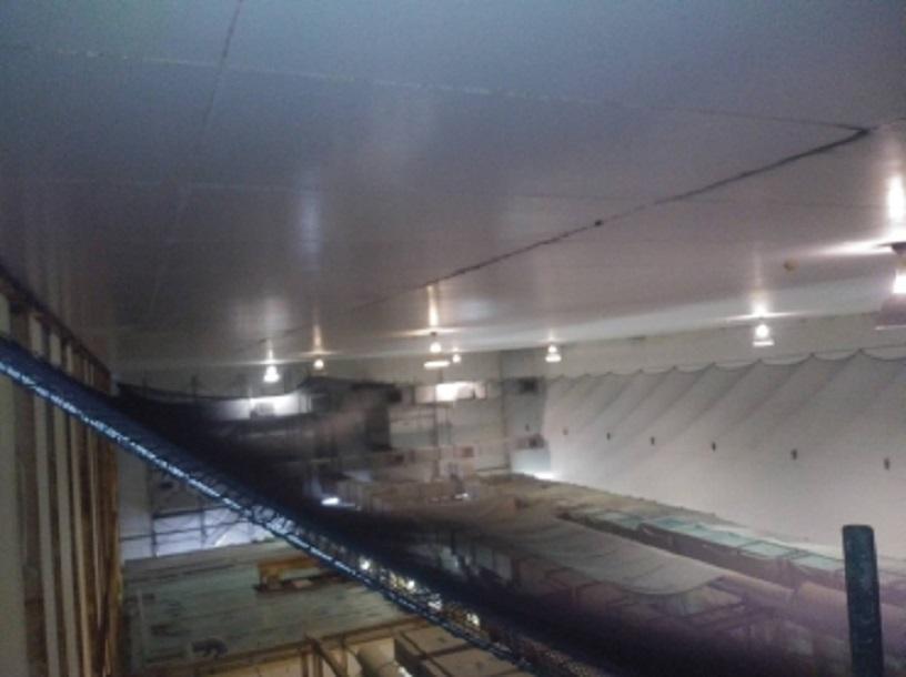天井落下防止ネット設置工事