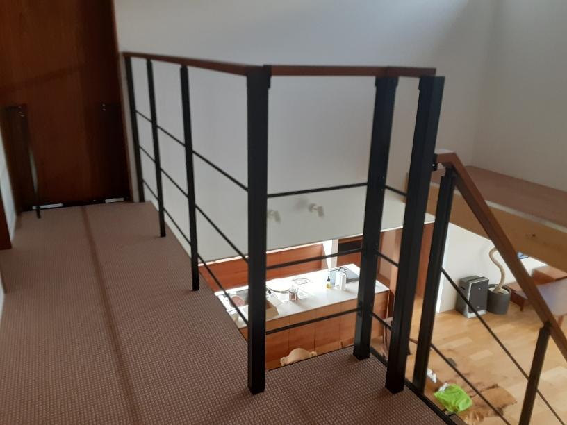 階段落下防止ネット設置工事
